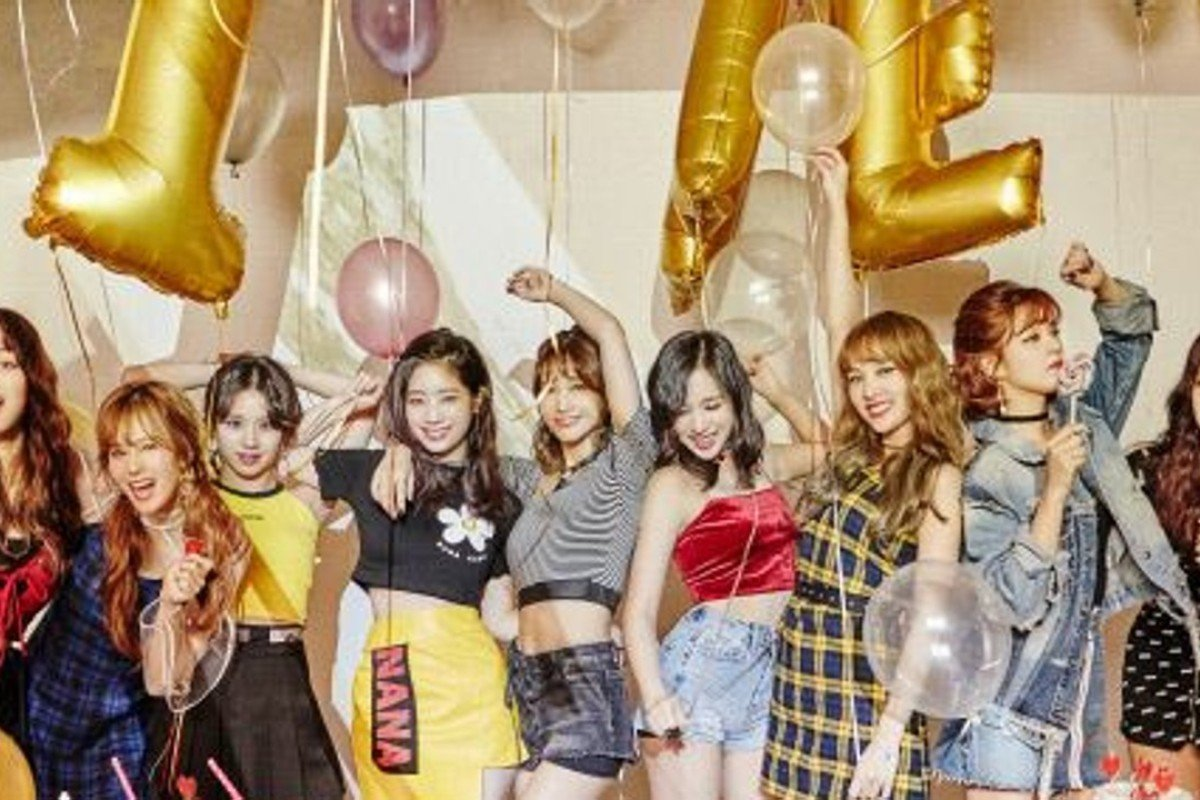 K-pop girl band TWICE, which features a Japanese band member, is enjoying great success in Japan. Photo: JYP Entertainment