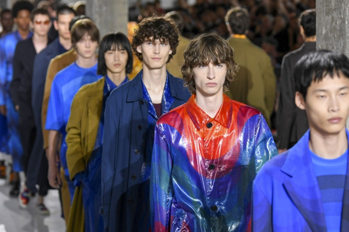Models present Dries Van Noten creations during the brand's 2019 spring/summer collection show on Thursday at Paris Men's Fashion Show. Photo: Xinhua