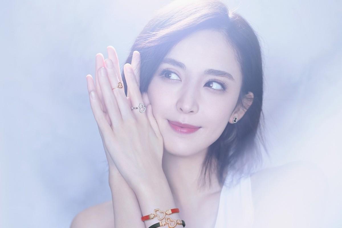 Actress Guli Nazha wears Qeelin's Wulu new interchangeable bracelets