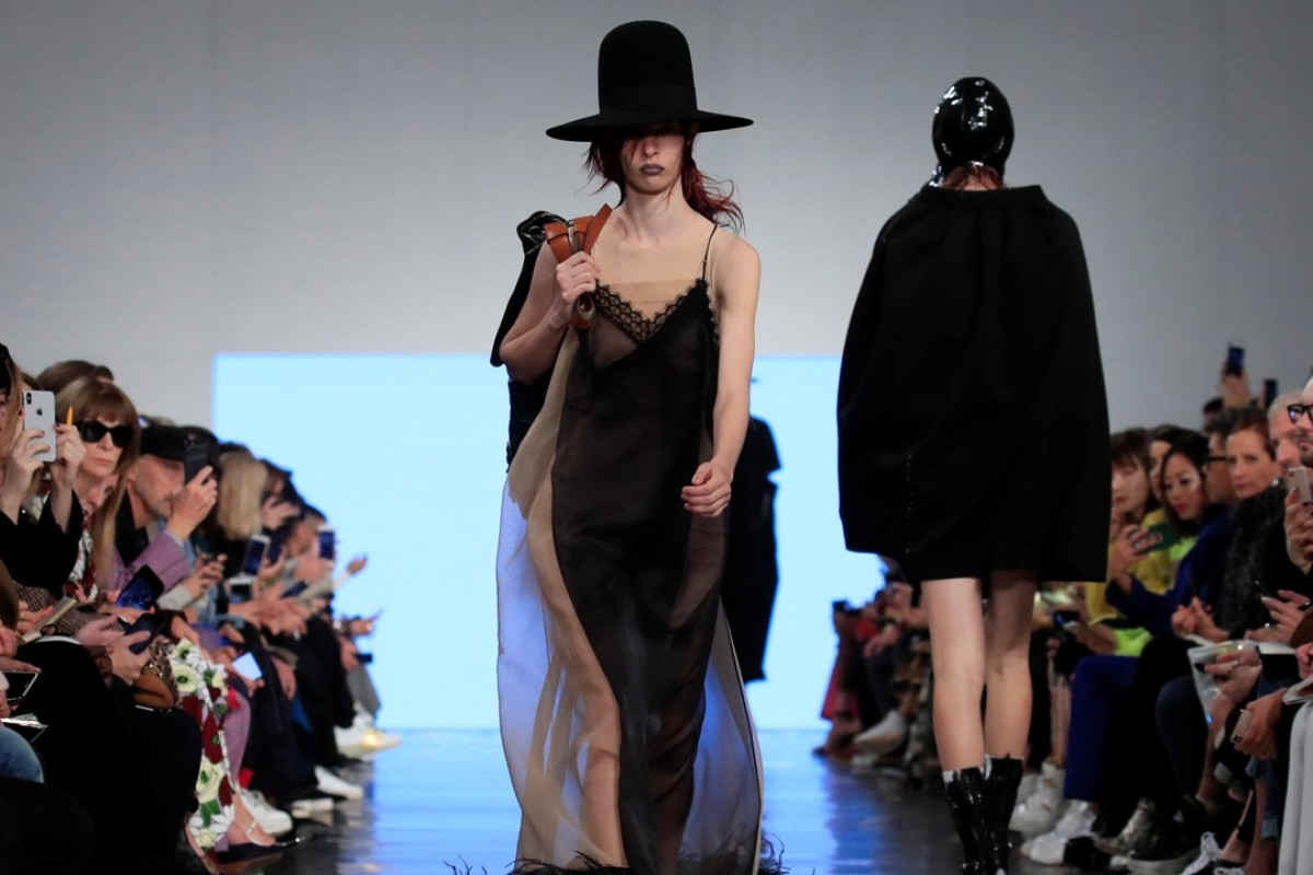 Models present bold creations by British designer John Galliano as part of his spring/summer 2019 women's ready-to-wear collection show for Maison Margiela during Paris Fashion Week on September 26, 2018. Photo: Reuters
