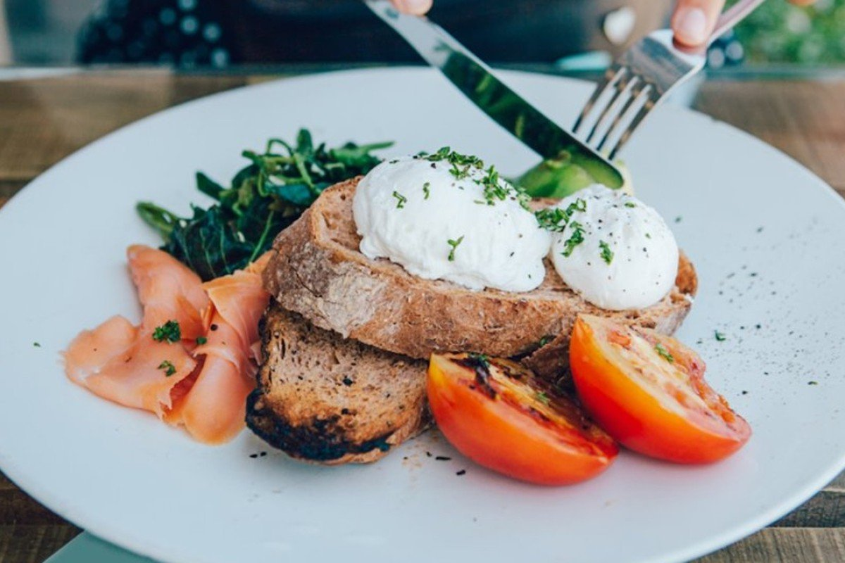 Although the keto diet – which allows you to eat fatty foods while cutting down on carbohydrates – is not for everyone, some followers report feeling more energetic and less bloated. Photo: Shutterstock