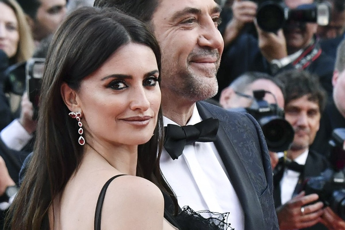 Jewellery made with lab-grown stones from Atelier Swarovski was worn by Penélope Cruz on the Cannes red carpet.