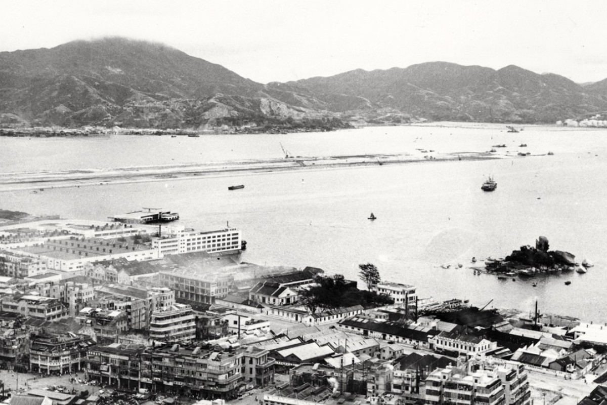 The Kai Tak runway under construction in the mid-1950s. Picture: Dragages Hong Kong