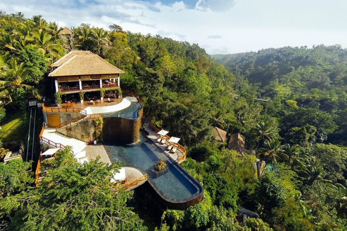 Set in the middle of the jungle, with views of a valley and surrounded by a rainforest, the Hanging Gardens of Bali is a must-visit hotel.