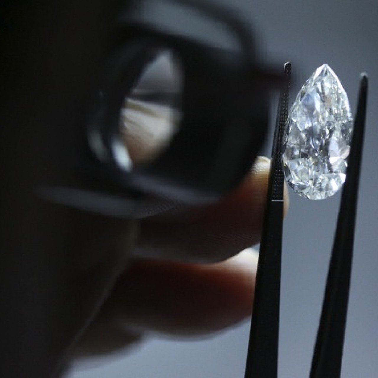 Diamonds are trumps as price of gold wobbles | South China