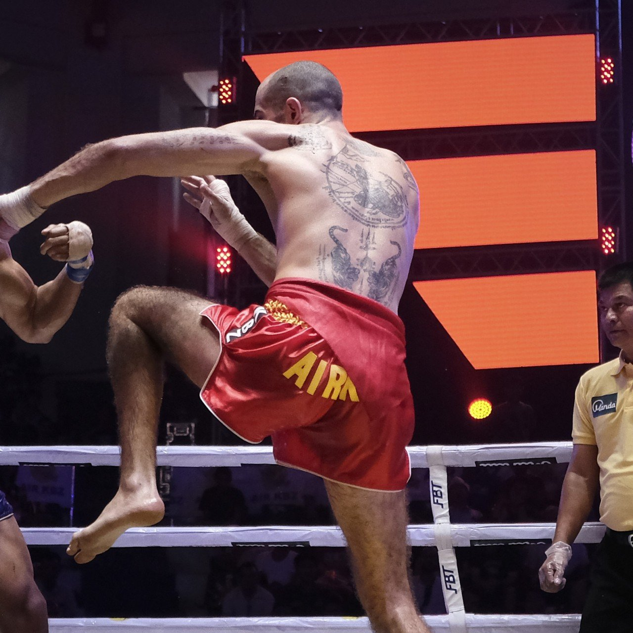 Burmese bare-knuckle kick-boxing goes mainstream as foreigners